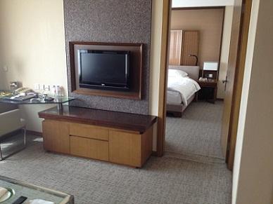 chengdu haiyatt hotel bedroom-livingroom