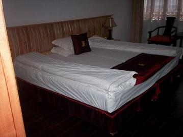 wangfu hotel bedroom