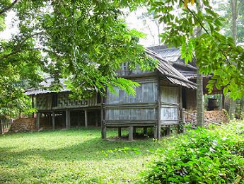 stilt house yao minority china