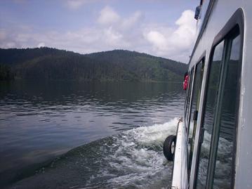 boat on bita lake shangri-la china
